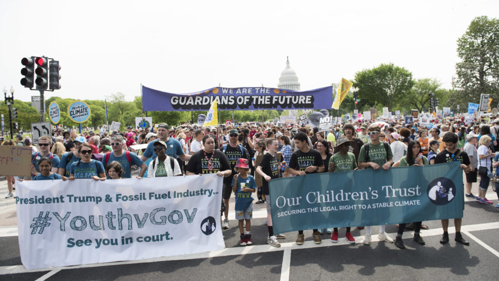 More Than a Dozen Groups File Briefs in Support of Kids Climate Suit