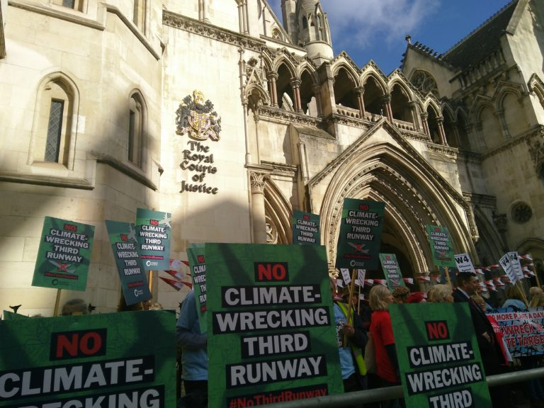 Environmental groups are challenging the plan for Heathrow airport expansion on climate grounds